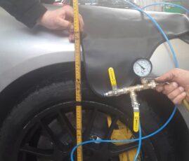 Kontrola szczelności poduszki pneumatycznej w jednym z kół w Porsche Panamera, wykonana w serwisie samochodowym Auto Ars