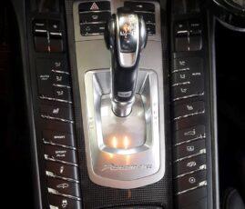 Panel w Porsche Panamera