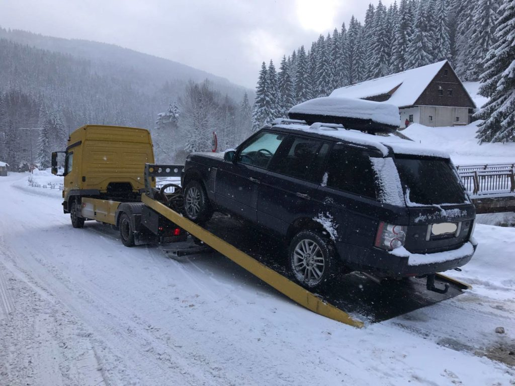 Pomoc drogowa laweta w akcji