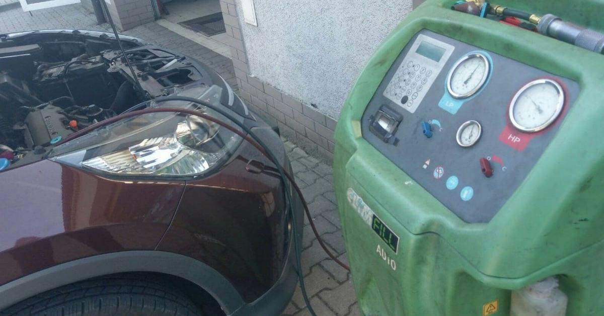 Serwis klimatyzacji w warsztacie samochodowymAuto Ars