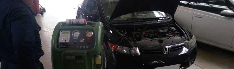 Honda Civic na serwisie klimatyzacji w Auto Ars